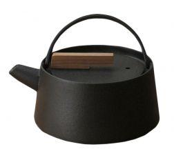 ikenaga iron works | tetsubin kettle (cast iron and walnut)