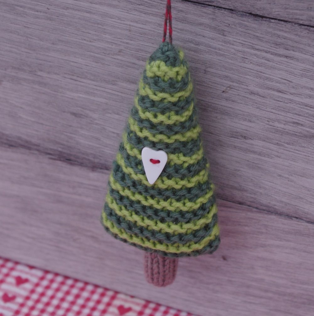 21 Little Christmas Knits pattern by Fiona Goble   Christmas ...