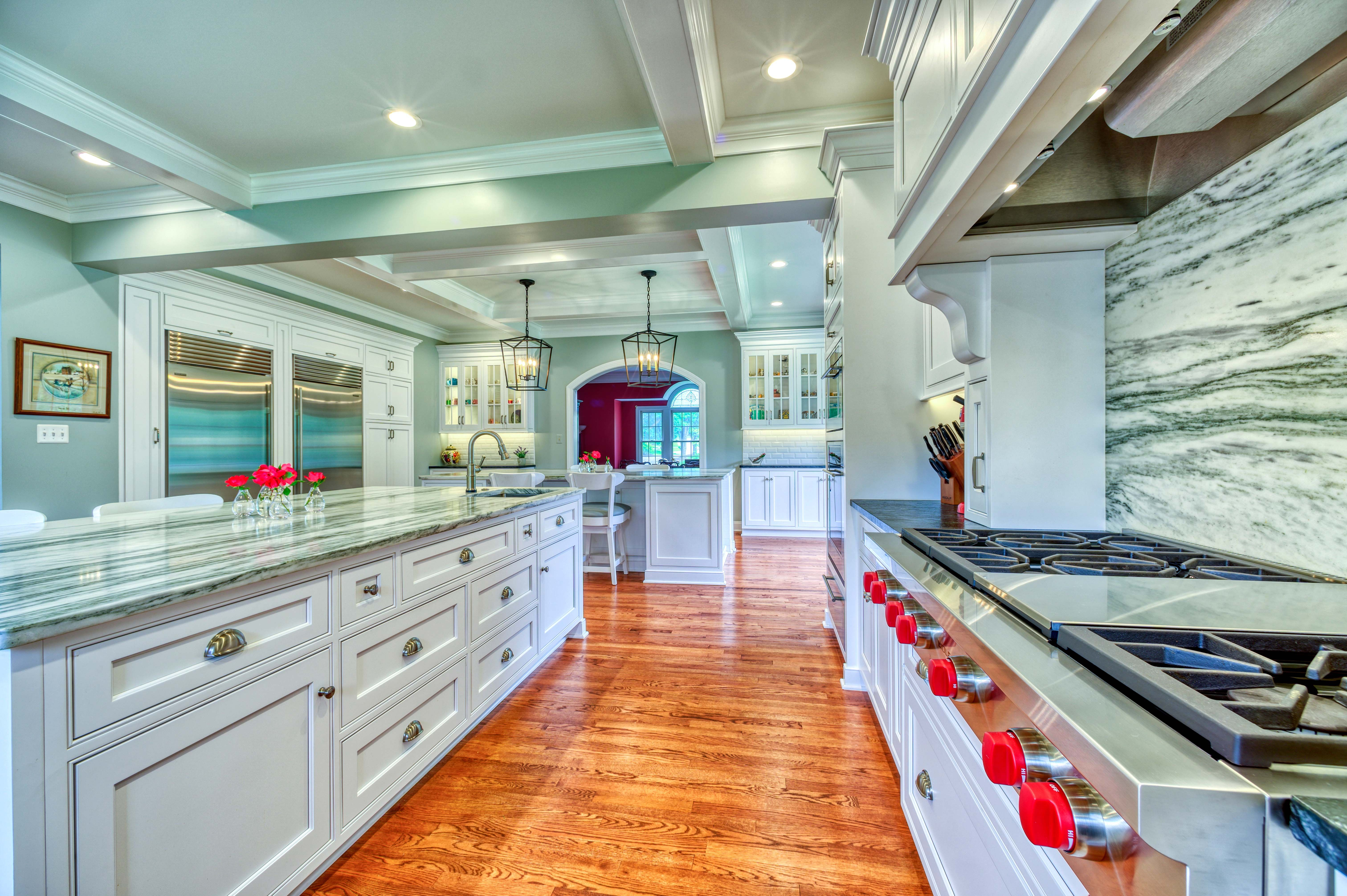 What Would You Do With 73 Linear Feet Of Countertop House Design Cool House Designs Kitchen Remodeling Services