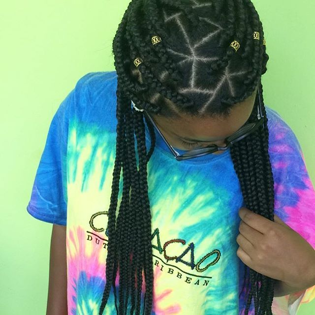 Top 100 box braids hairstyles photos #Boxbraids #boxbraidshairstyles #HairstylesbyVaneska #colourfulshirt 🍭🌈 #onemorehappyclient 💁🏽 See more http://wumann.com/top-100-box-braids-hairstyles-photos/