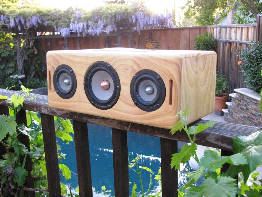 Our latest proto Bluetooth portable speaker buit with our new plate amp, 250W Bi-Amped 2.1, LiPo powered fully portable, SEAS W12CY-001 woof, Tang Band W3-1364SA tweets. We degigned the acoustics of the box with BassBox Pro, tuned to 45Hz, but it can hit notes in the mid 30Hz range. Huge sound from a small box!