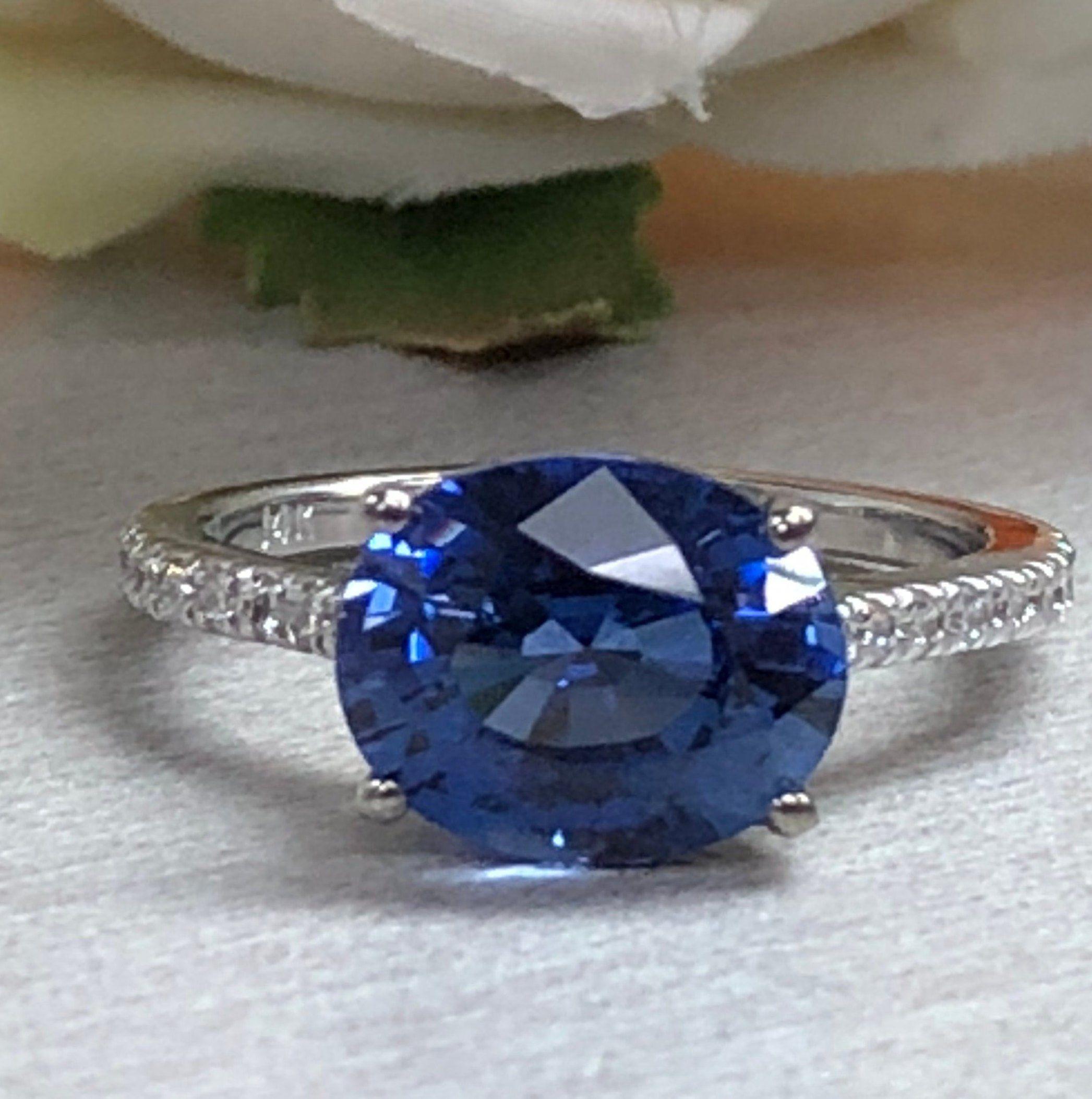Oval Ceylon Blue Sapphire And Genuine Diamond Ring Set Etsy Ceylon Blue Sapphire Blue Sapphire Rings Blue Sapphire