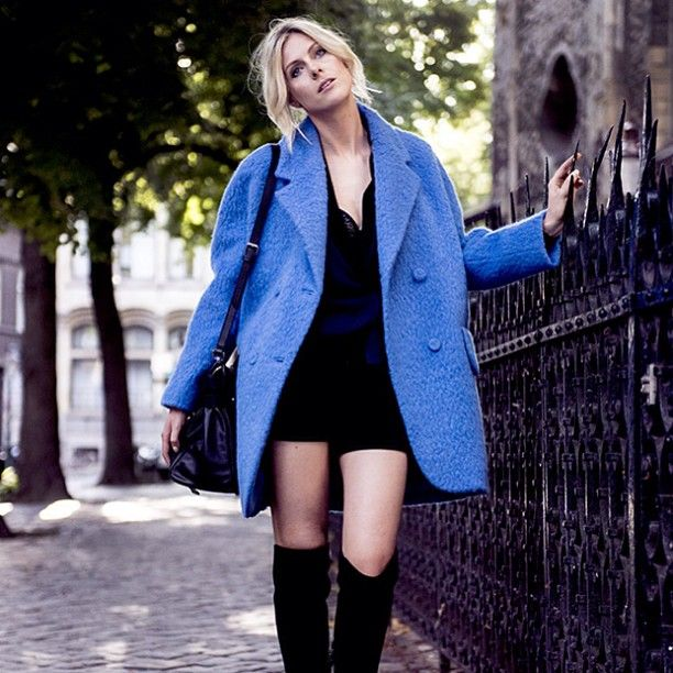 New post up on the blog!! http://www.fashionata.com/my-outfit/coat @stylesuitemaastricht @carven @gianvitorossi #ootd #boots