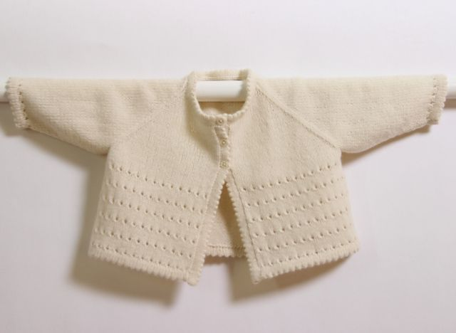 f472dc3b1 16   Cream Cardigan pattern by Florence Merlin