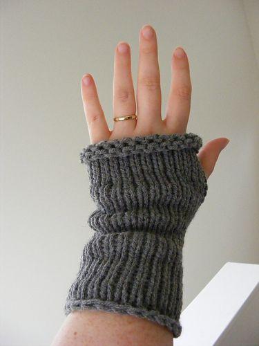 Loom Knit Top Down Wrist Warmers pattern by Gretchen Kalhust #loomknitting