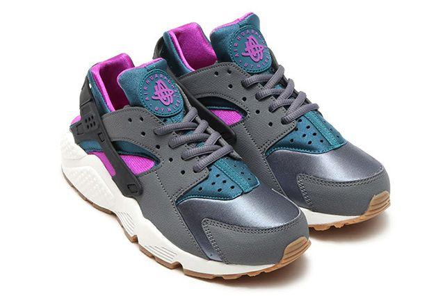 official photos 77912 e68a9 Nike Air Huarache Wmns (Dark Grey Teal) - Sneaker Freaker