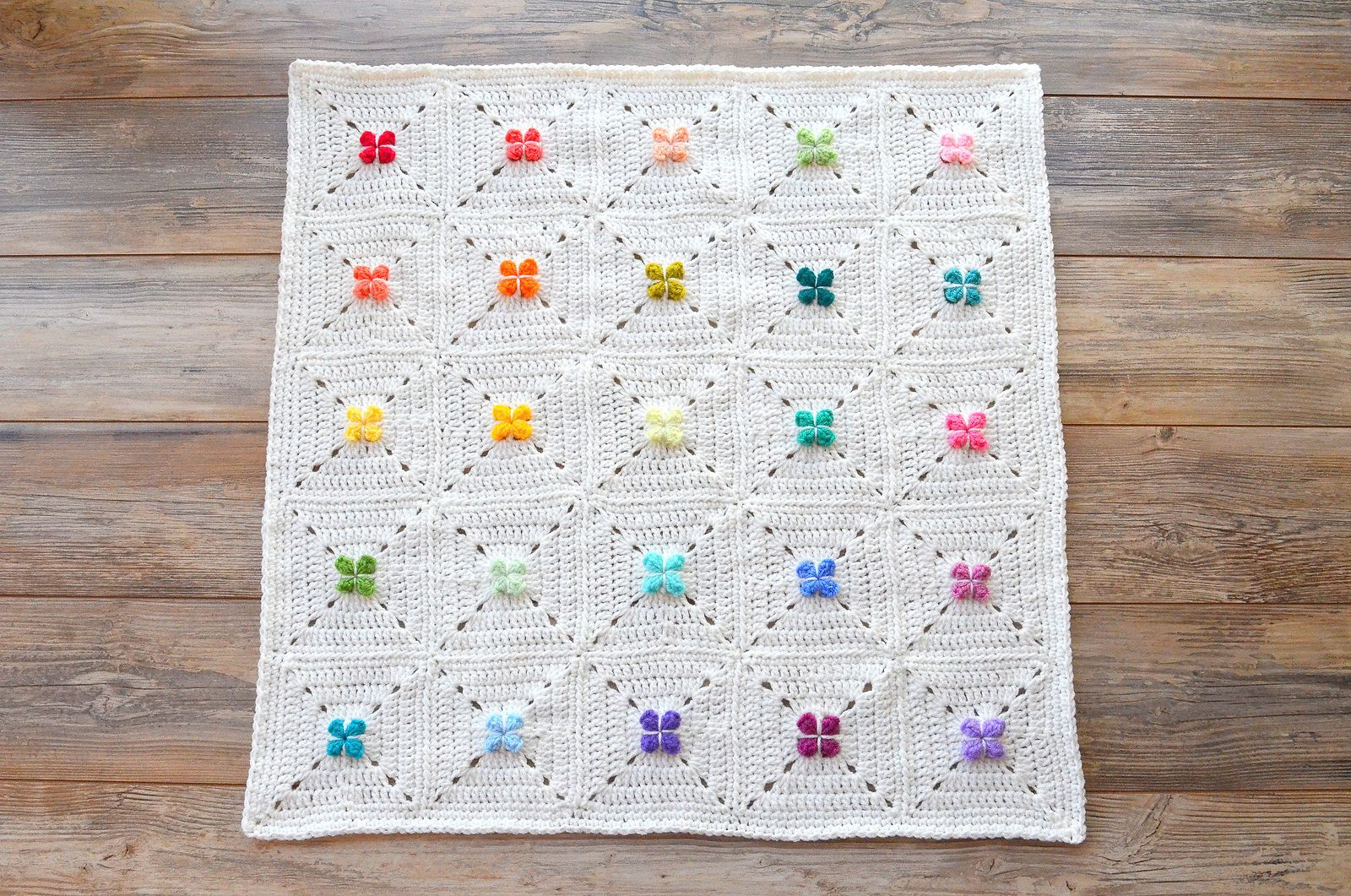 Ravelry: Cora Granny Square by The Loopy Stitch | I\'d make that ...