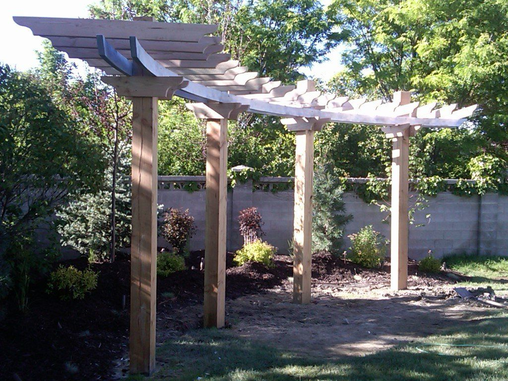 Beautiful, simple, curved pergola - slideshow of its construction at this  site (Nature's