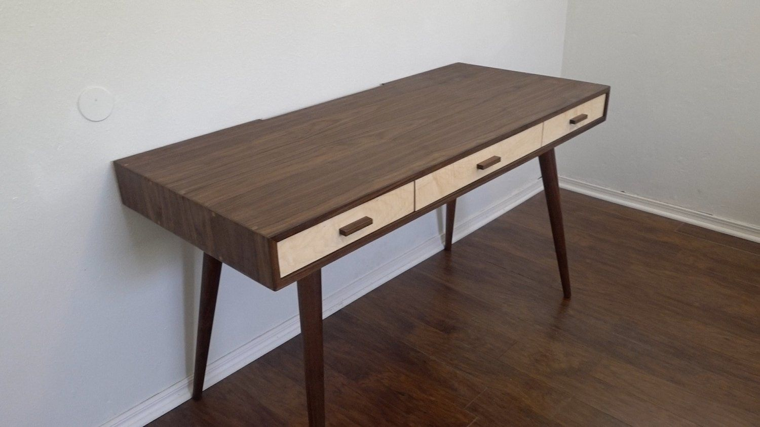Let's build a classy, but simple to build, mid century