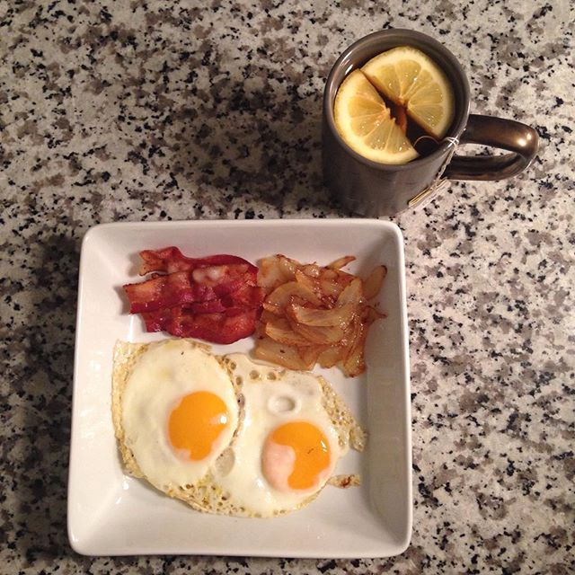 Low sodium organic bacon • Free range eggs • Caramelized sweet onions • Lemon echinacea organic tea with fresh lemon