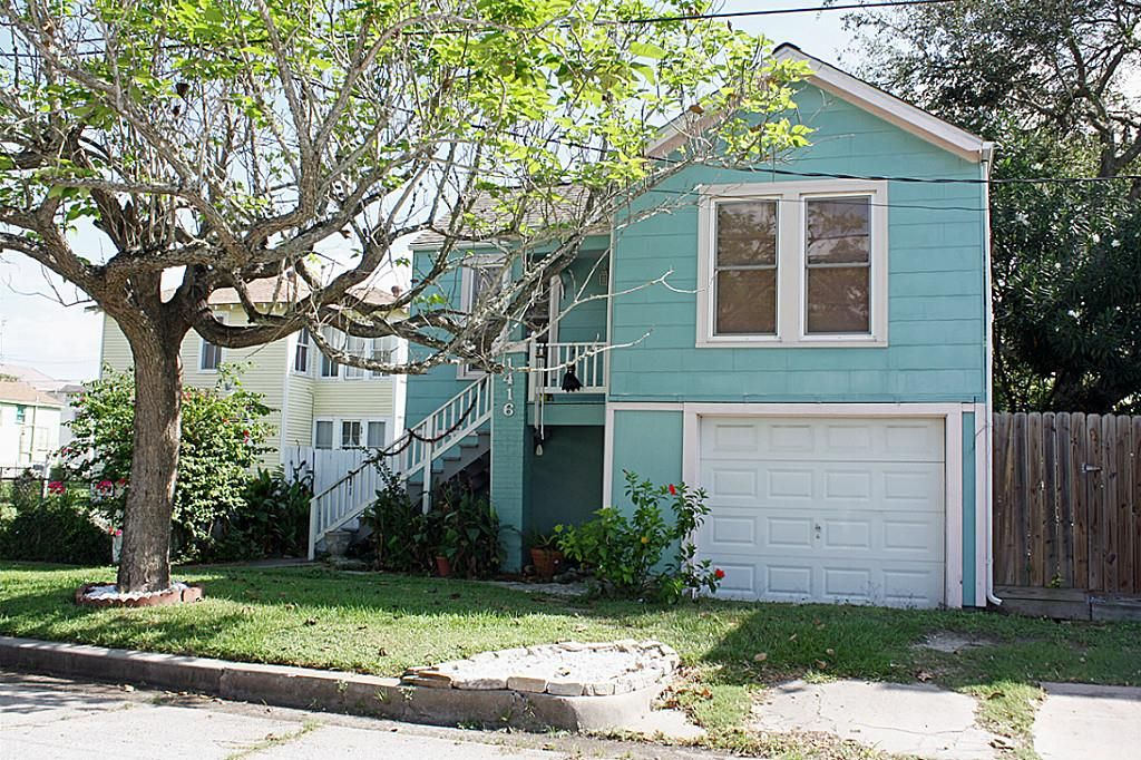 Property For Sale 2 bedroom, 1 bath Single Family Homes