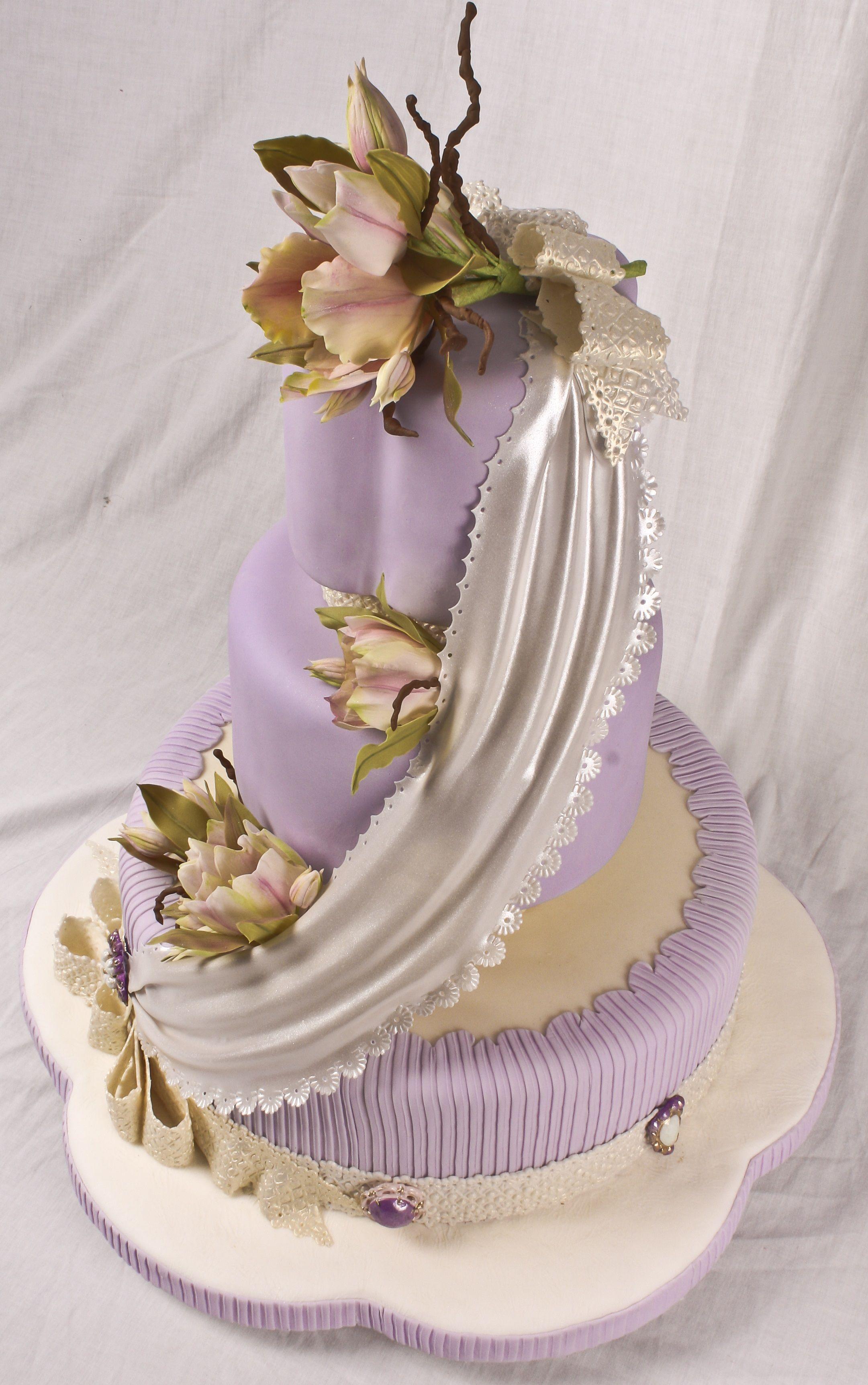 El super wedding cakes