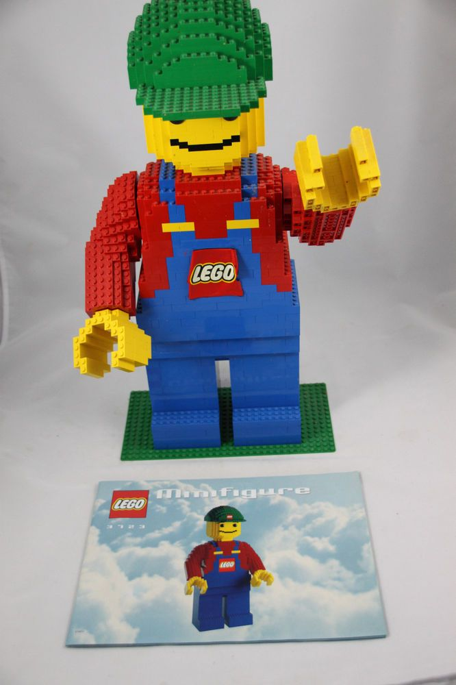 Lego Giant Minifigure Sculpture 3723 Complete With Instructions Rare