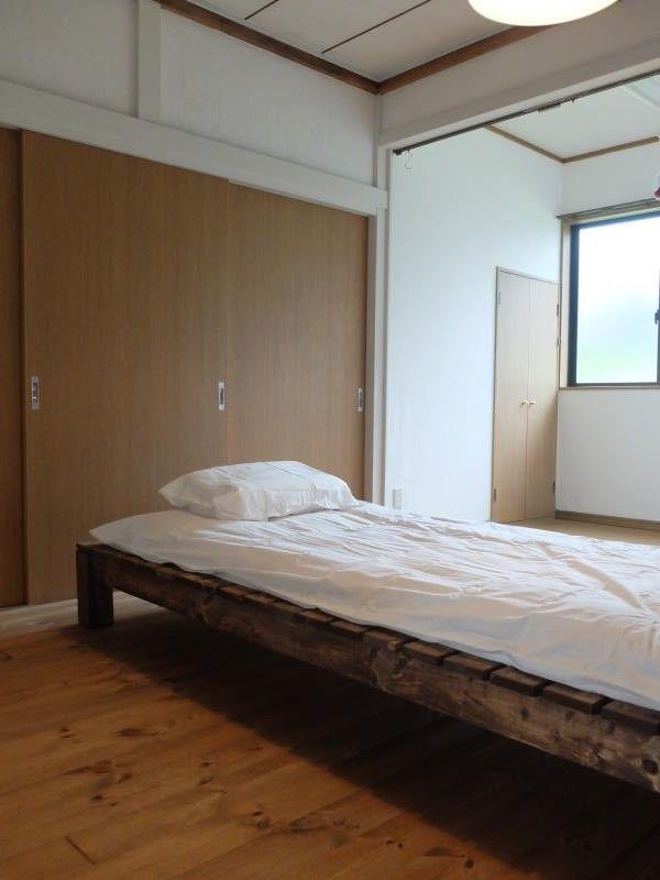 格安で作る シンプル おしゃれなすのこベッド自作手順を大公開 Into The Camp ベッド 家具のアイデア シンプル