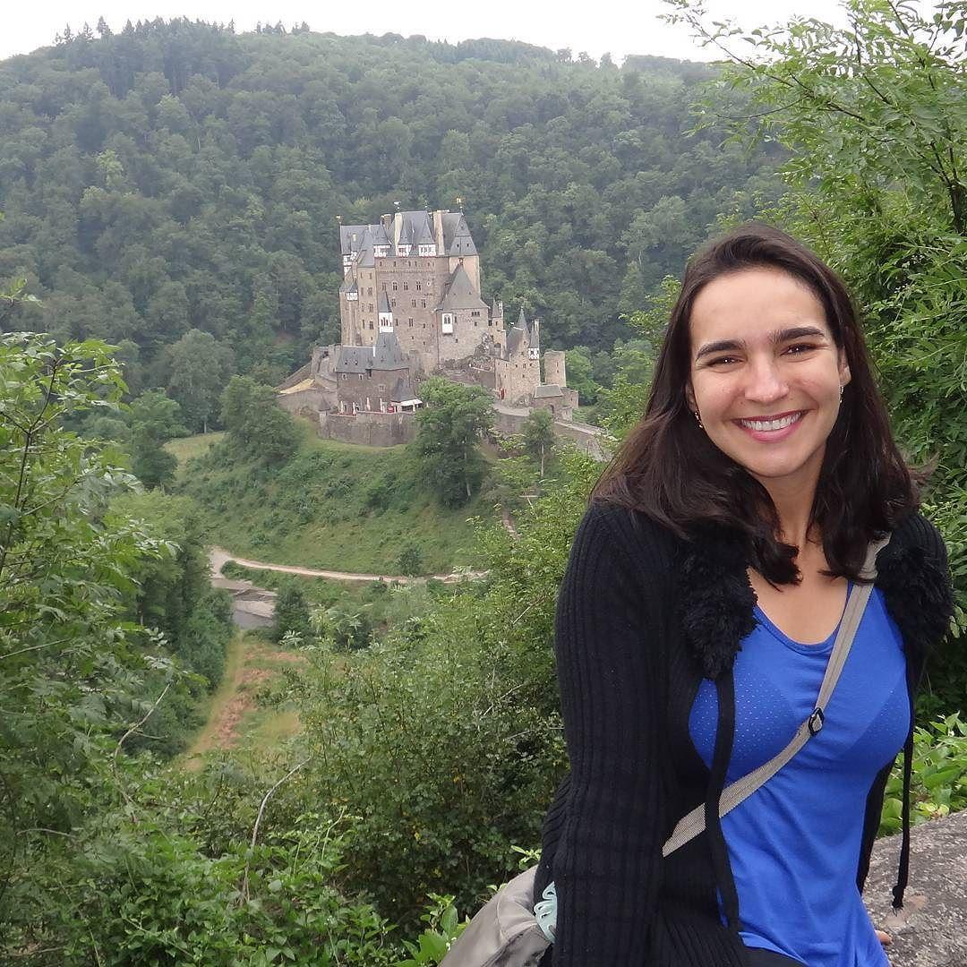 Hoje o Viajar correndo participa de uma blogagem coletiva sobre Castelos pelo Mundo... Eu escrevi sobre o Burg Eltz um castelo que visitei durante a minha viagem à Alemanha. Corre no blog (http://ift.tt/1oNDc7j) para conferir sobre o Burg Eltz e também para conhecer outros castelos pelo mundo (lá tem links para as postagens dos outros blogs participantes)!  #burgeltz #castelospelomundo #alemanha