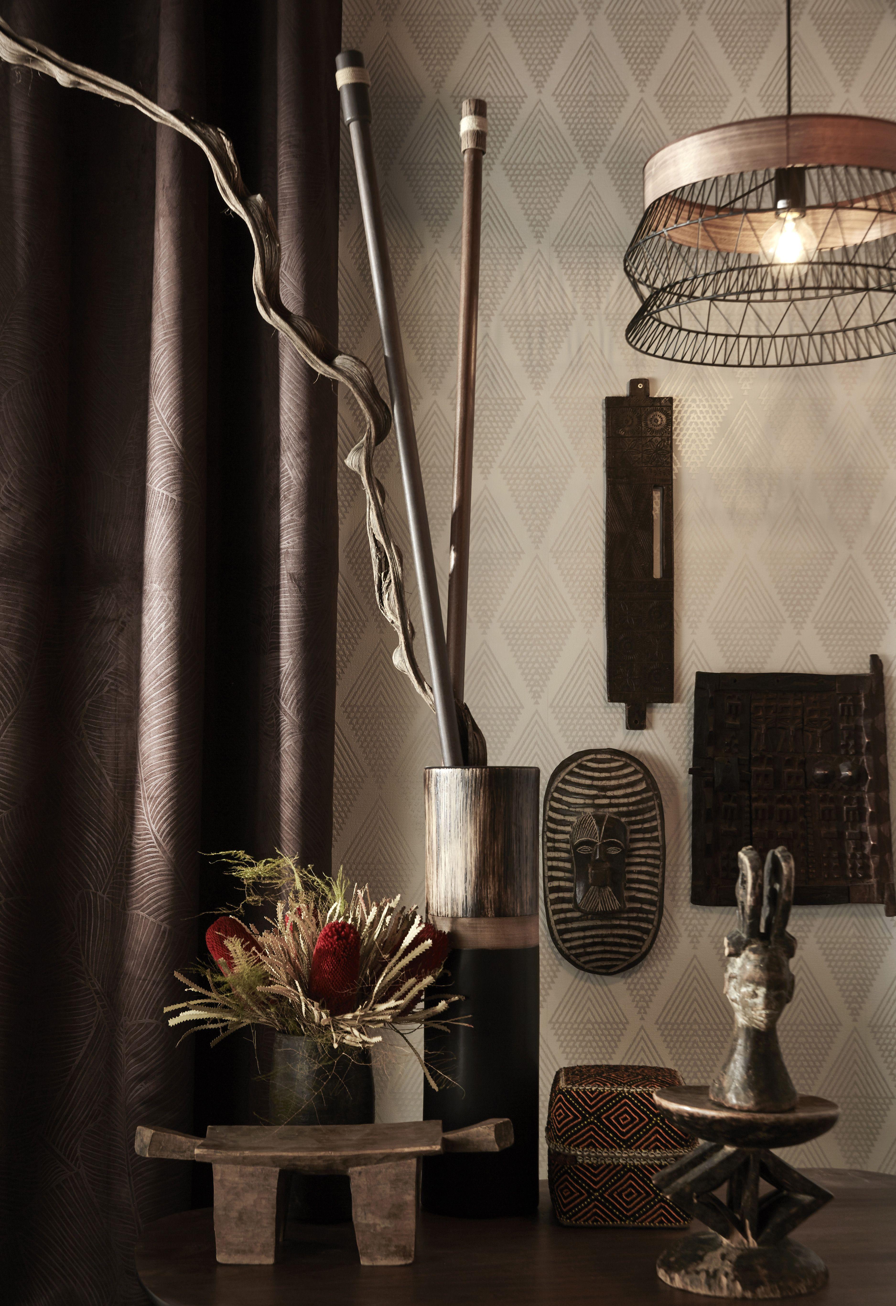 cool la suspension design manam mtal noir reflte bien la. Black Bedroom Furniture Sets. Home Design Ideas