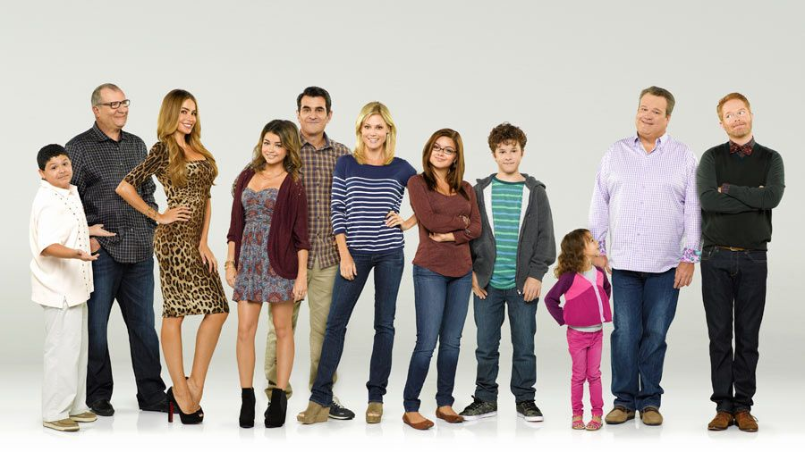 Meet The Modern Family Modern Family Cast Modern Family Tv Show Family