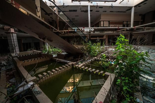 Rolling Acres Mall on kuin Romeron zombie-elokuvasta - Matkat - Ilta-Sanomat