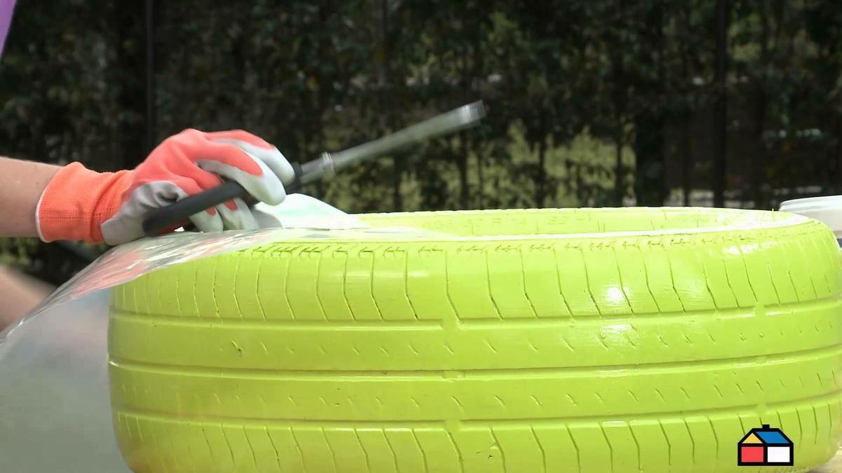 Cómo convertir un neumático usado en una maceta para tus plantas