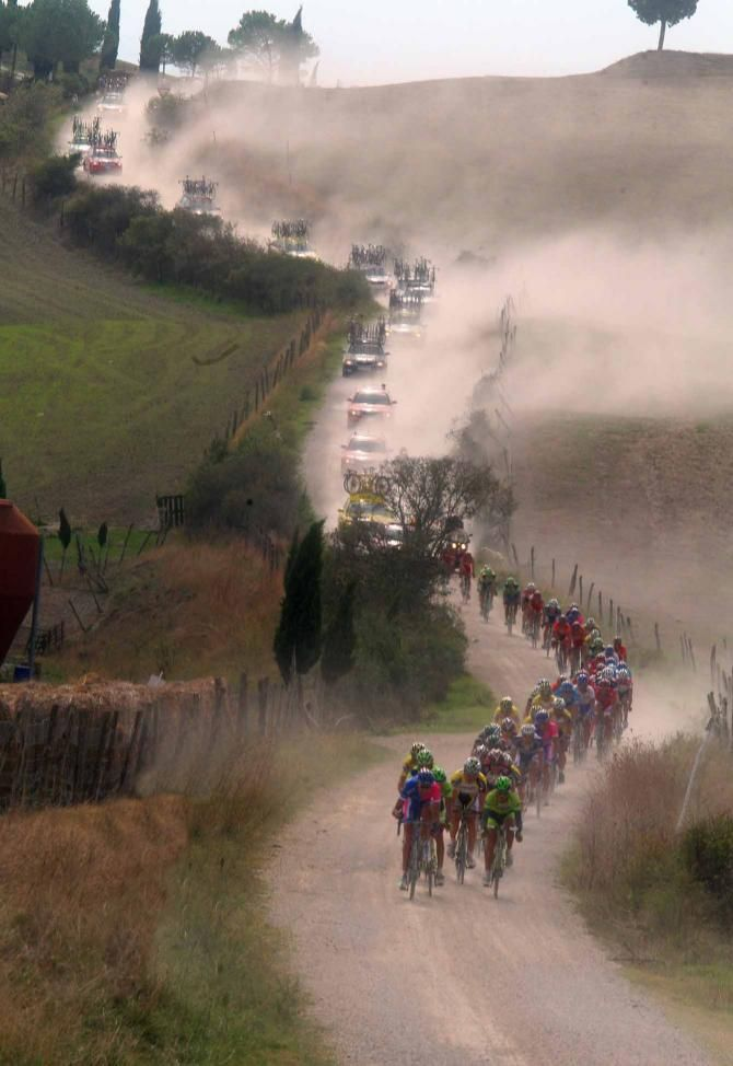 Snaking though the Italian country in the Strade Bianche race