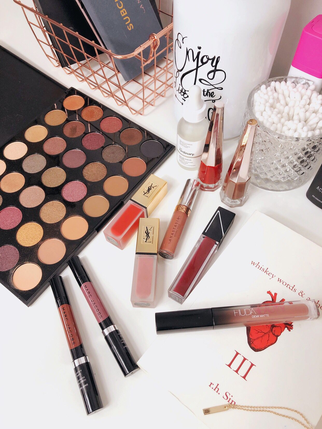 Makeup products, beauty photos, beauty flat lays, flat lays