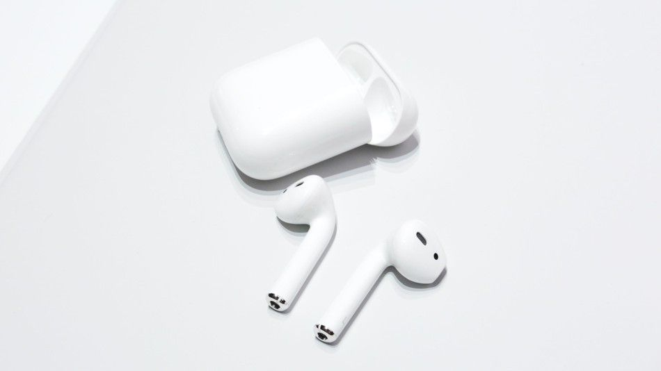 Apple Achieved In The Case Of Burning The New But This Time For The Airpods Technology News World Apple Earphones Iphone Earphones Wireless Earphones