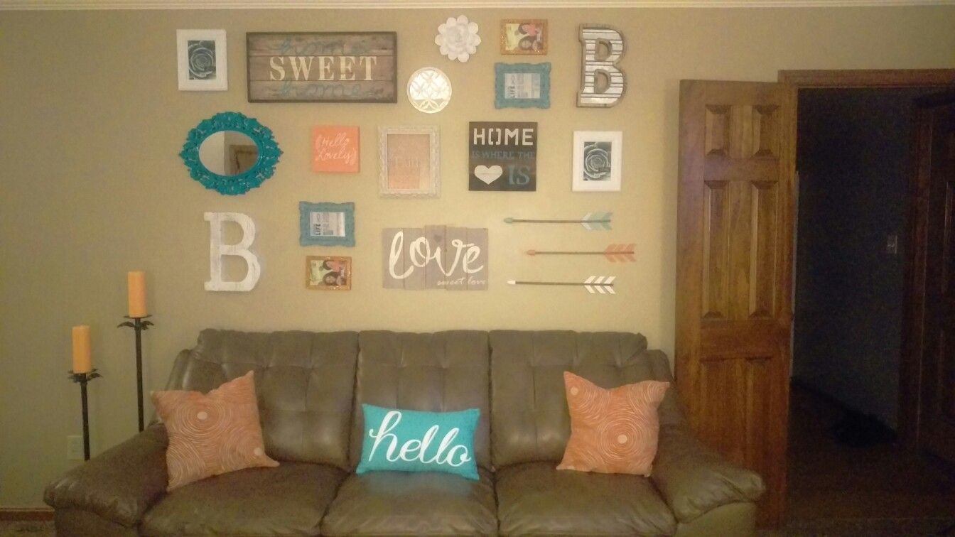 This is my actual living room, I think it turned out pretty good ~Bri