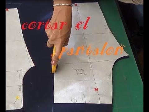 42434b18b8 CLASE 26. CORTAR EL PANTS. EN LA TELA. Alta Costura para NIÑOS clase ...