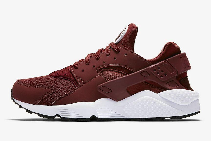 Nike Air Huarache Team Red for the