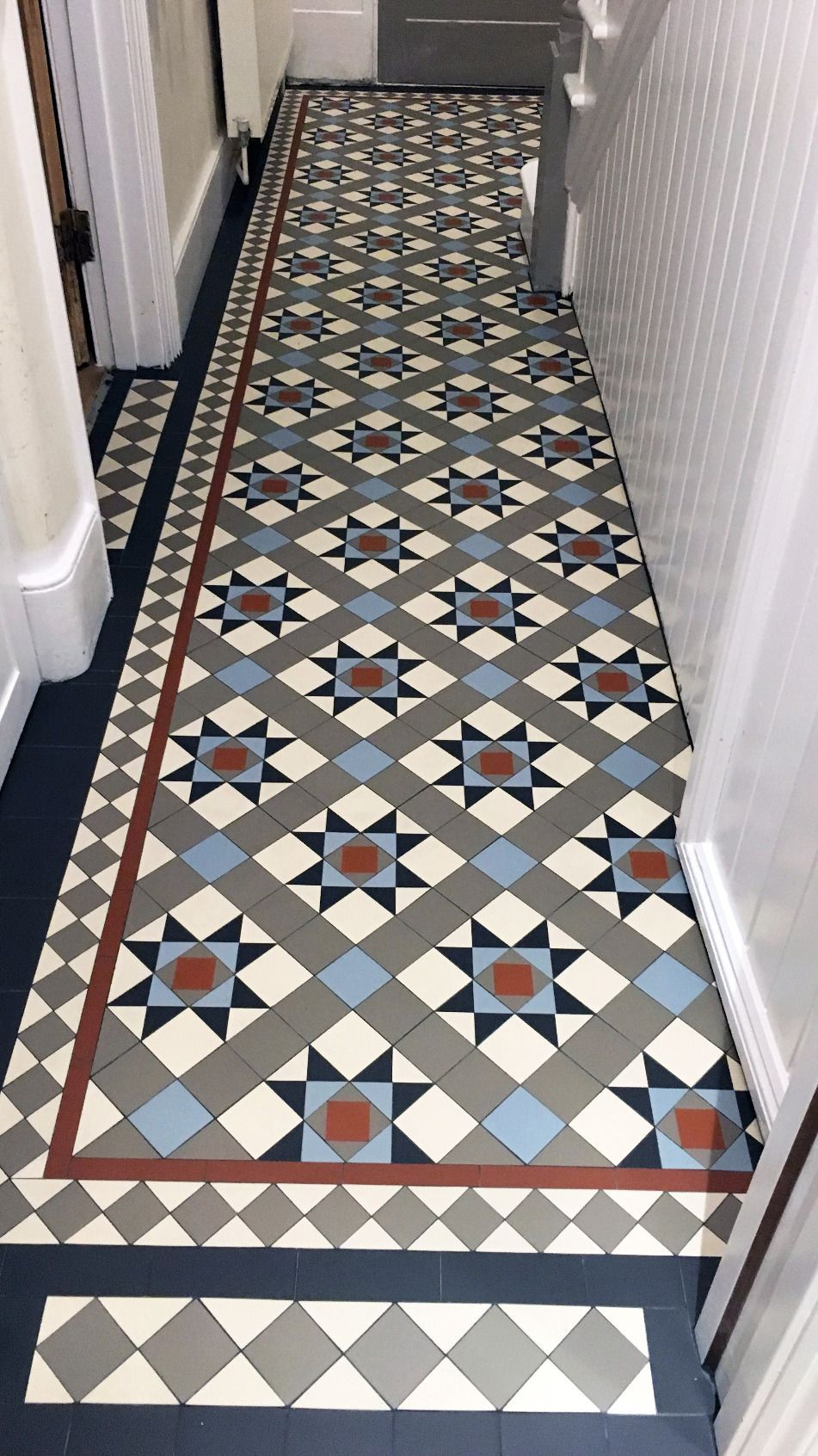 London Mosaic Victorian Hallway Tiles Www Londonmosaic Com Info Londonmosaic Com Londo In 2020 Tiled Hallway Contemporary Tile Floor Victorian Hallway Tiles