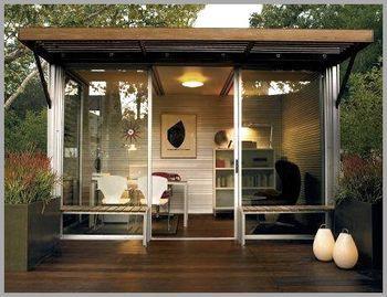 Glasfronten Sorgen Für Viel Licht In Sem Gartenhaus Arbeitszimmer