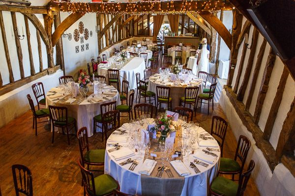 Old Luxters Barn Oxfordshire Wedding Lesley Pattinson Photography Brian Teresa S Ideas Pinterest Weddings And