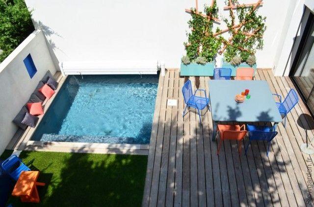 Au bord d\u0027une petite piscine Pistachios and Doors - amenagement bord de piscine
