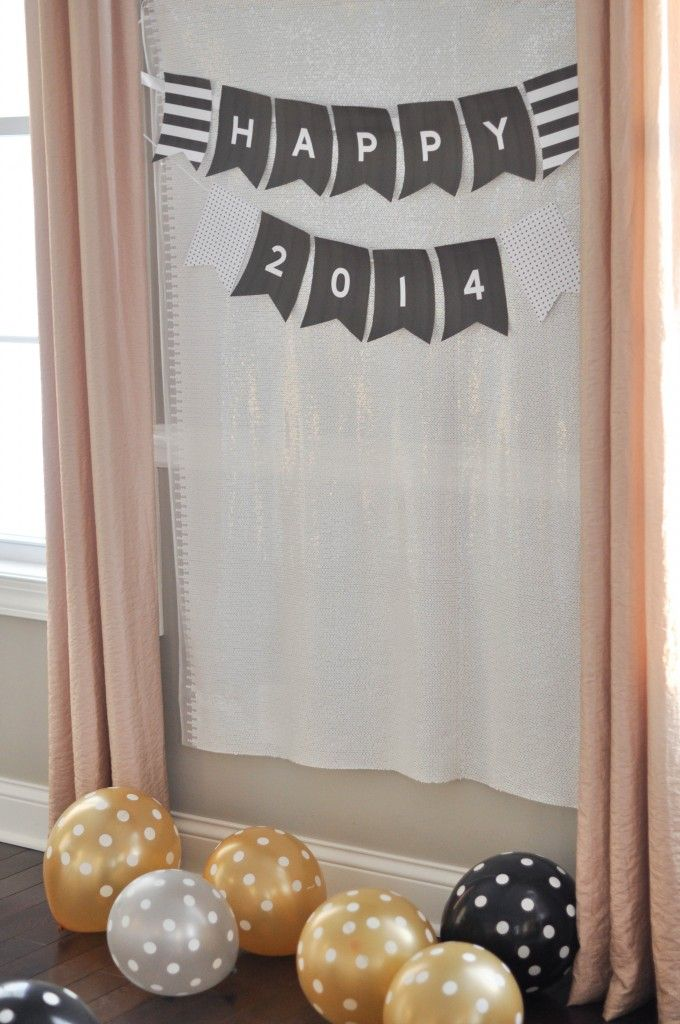 New Years Eve Kid Dinner Party And Easy Photo Booth Backdrop Using