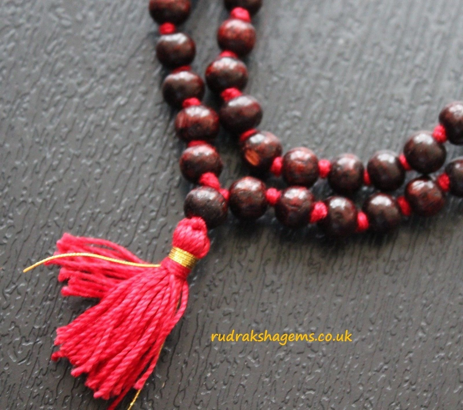 Szczegóły o Rare Red Sandalwood Mala 108 + 1 Bead Hindu Japa