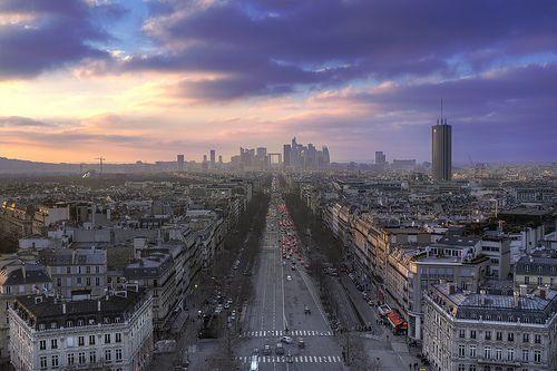 La defense from l' Arc de Triomphe - Paris