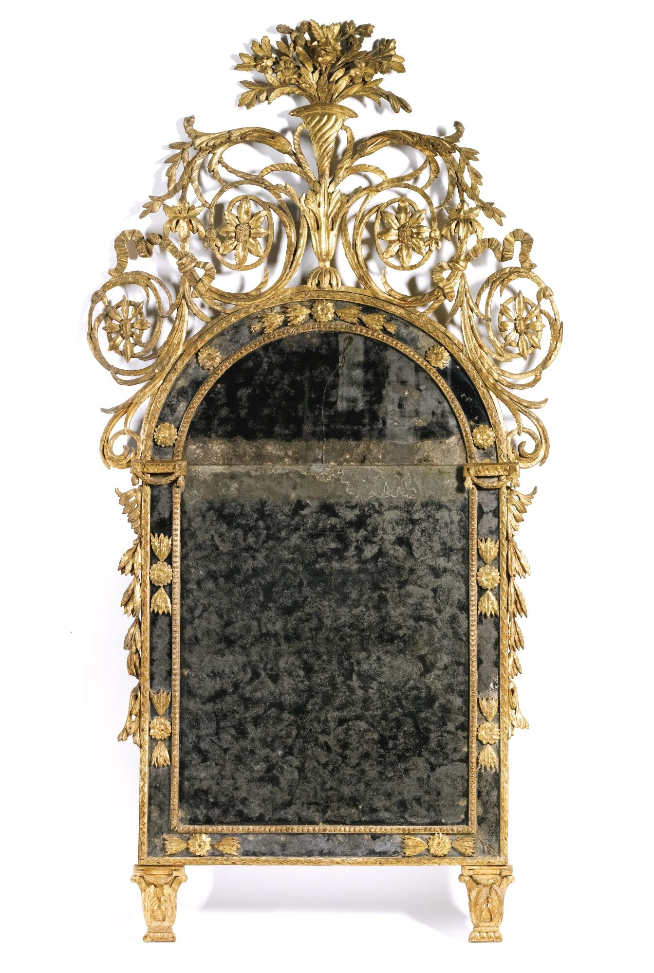 An Italian carved giltwood mirror, Piedmontese late 18th century ...