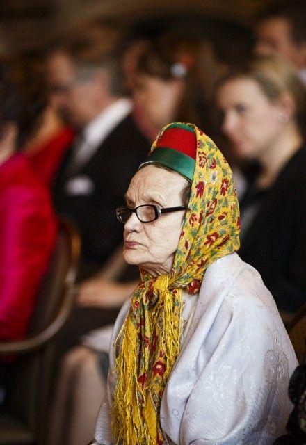 Mummoni veljen vaimo Katri Jefremoff palkittiin tänään Valkoisen Ruusun Ritarikunnan I luokan mitalilla kultaristein tunnustuksena merkittävästä työstä kasvattajana.