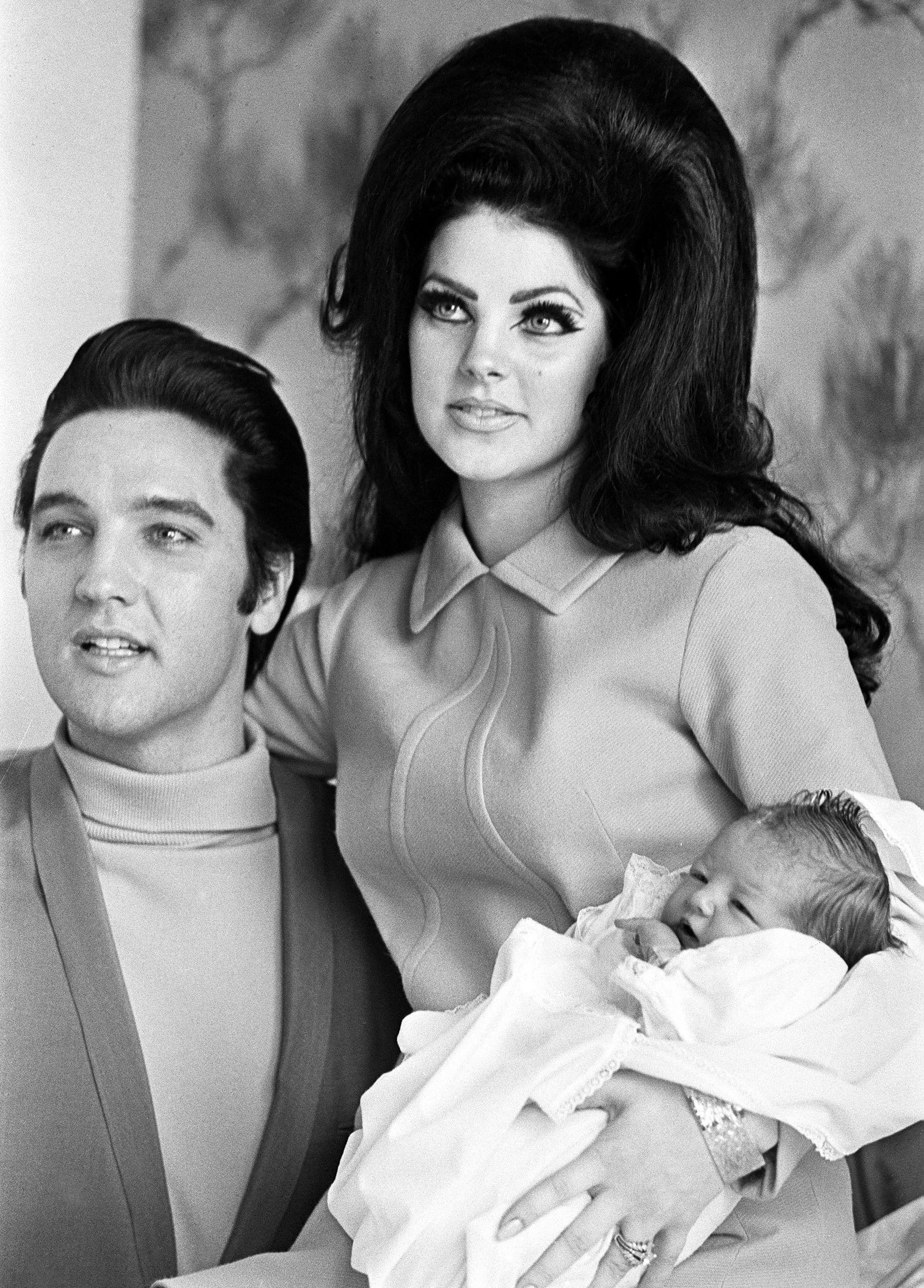 At 70 Priscilla Presley Is Still An Ageless Beauty Priscilla
