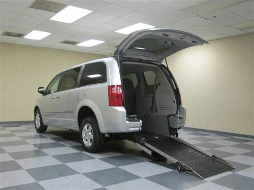 4ce4a83df0eac6 2010 Dodge Grand Caravan SXT Wheelchair Accessible Handicap Van