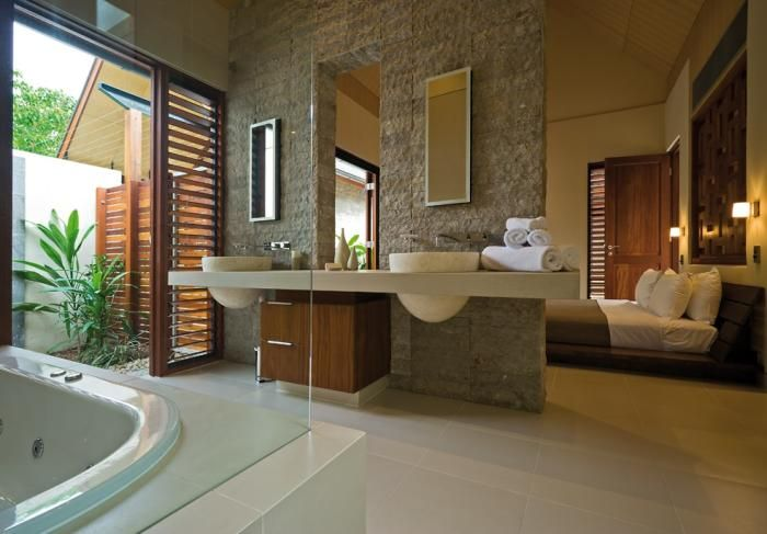 Bathroom Sets Luxury Reconditioned Bath Tub In Master Bedroom: 25 Sensuous Open Bathroom Concept For Master Bedrooms