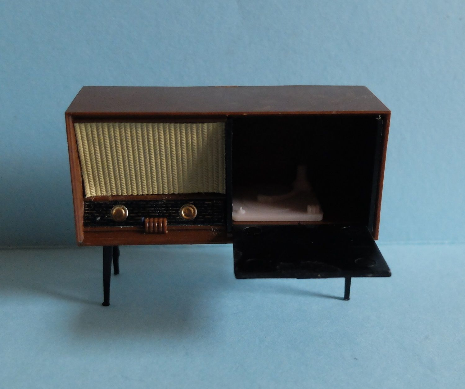 1960 S Triang Jenny S Home Dolls House Furniture For Sale On Ebay