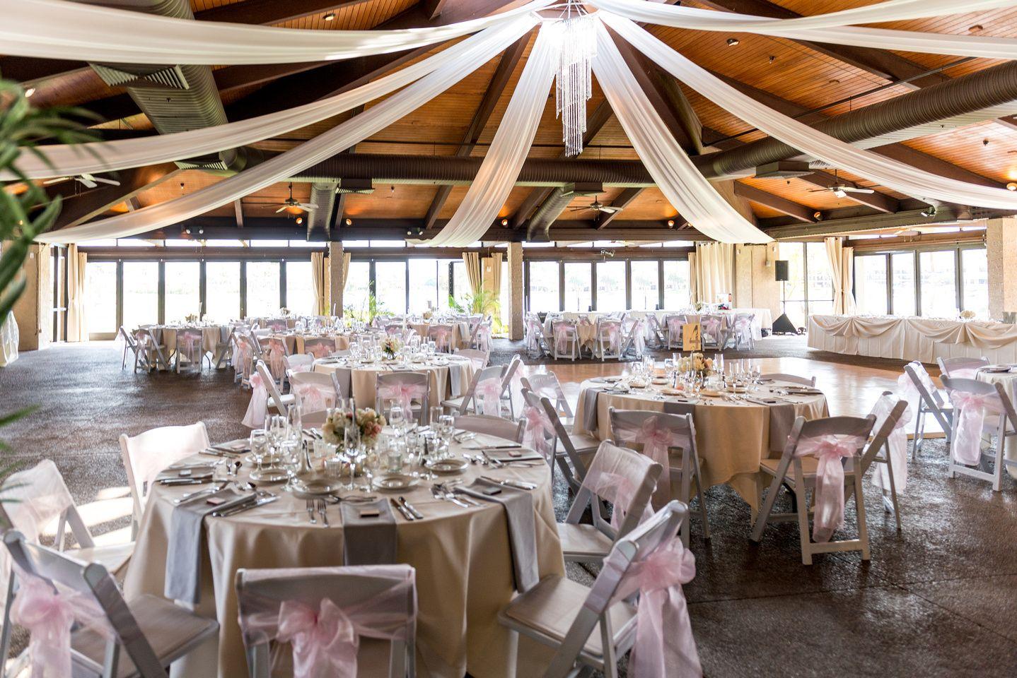 One Of Our Light Summer Weddings Venue Mccormick Ranch Golf Club Scottsdale Arizona Photographer Foskett Creative Florist Cactus Flowers