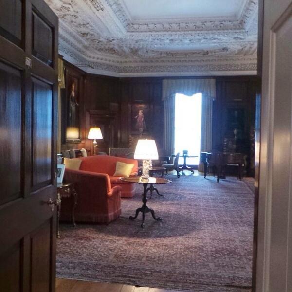 Jean newman glock on sitting rooms edinburgh and palace for Room interior design edinburgh