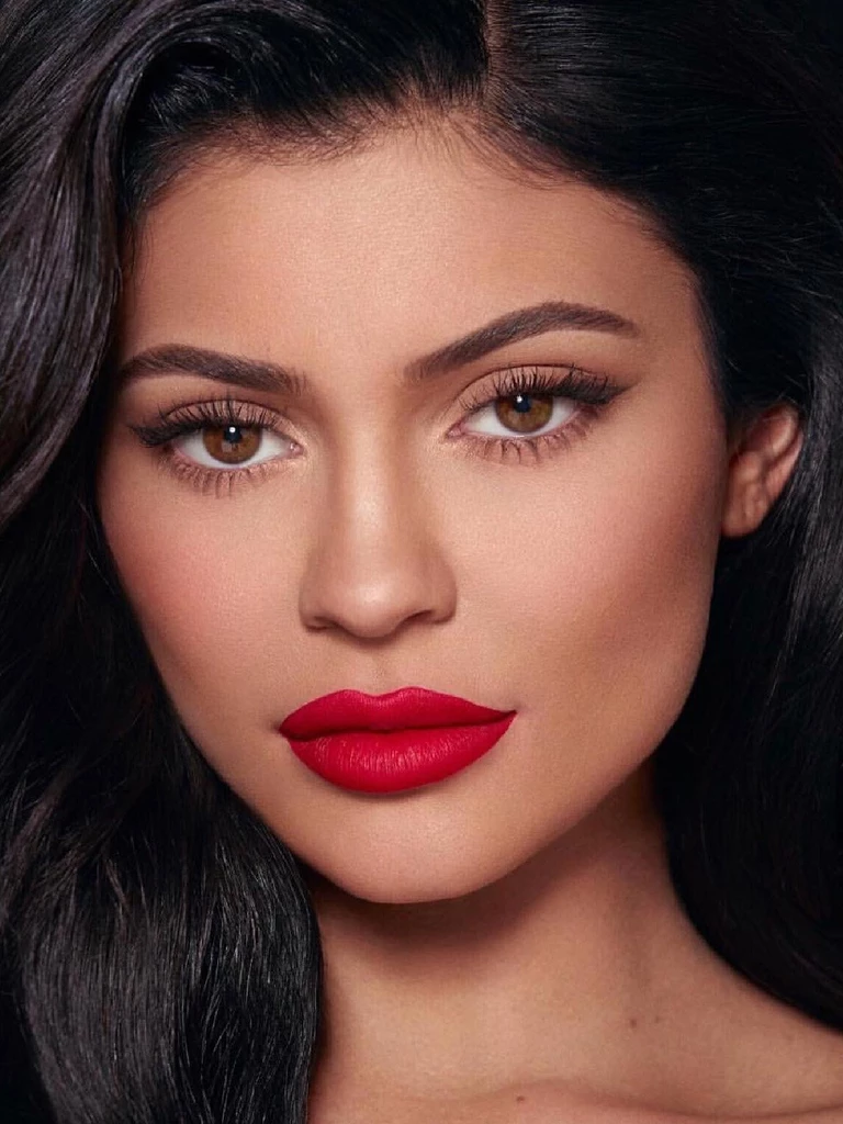 Kylie S Close To Perfect Bundle In 2020 Red Lip Makeup Red Lips Makeup Look Red Lipstick Makeup