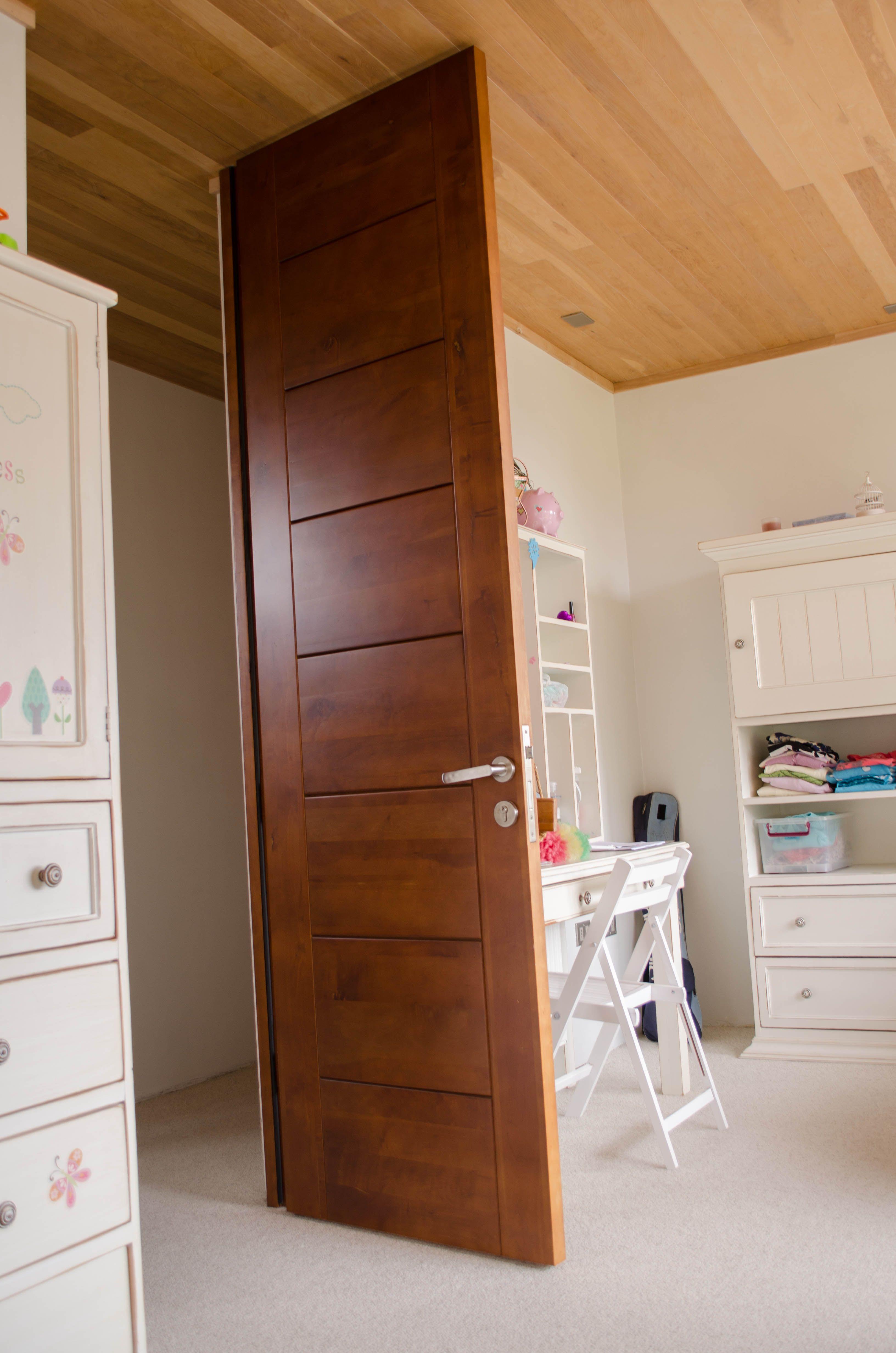 Puerta moderna en madera s lida de lenga solid modern wood - Puertas de madera interiores modernas ...