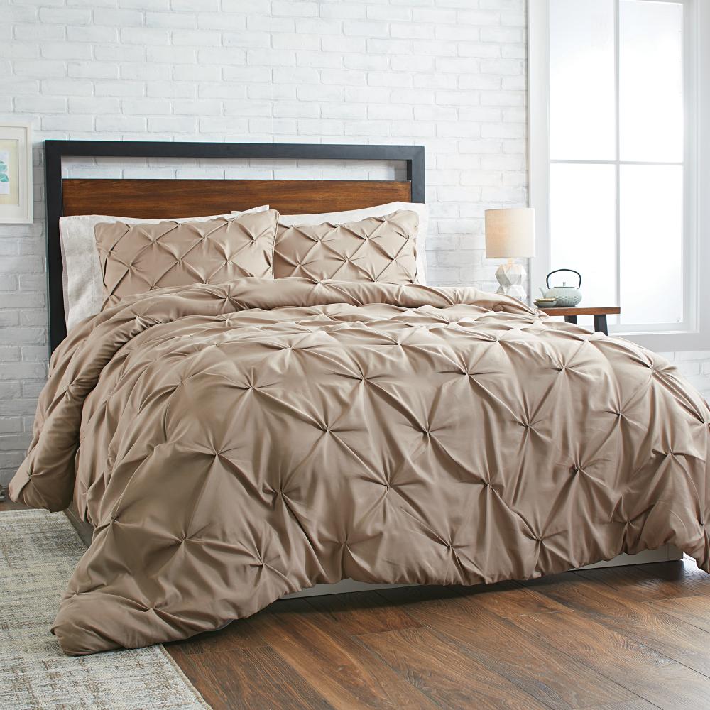 a95bd6521e827cc98fa9ce5222e97863 - Better Homes And Gardens Pintuck Bedding Comforter