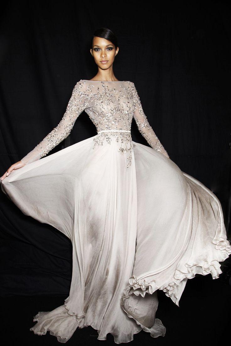 b37796d4cc7 Photos des coulisses du défilé Elie Saab Haute Couture automne-hiver ...