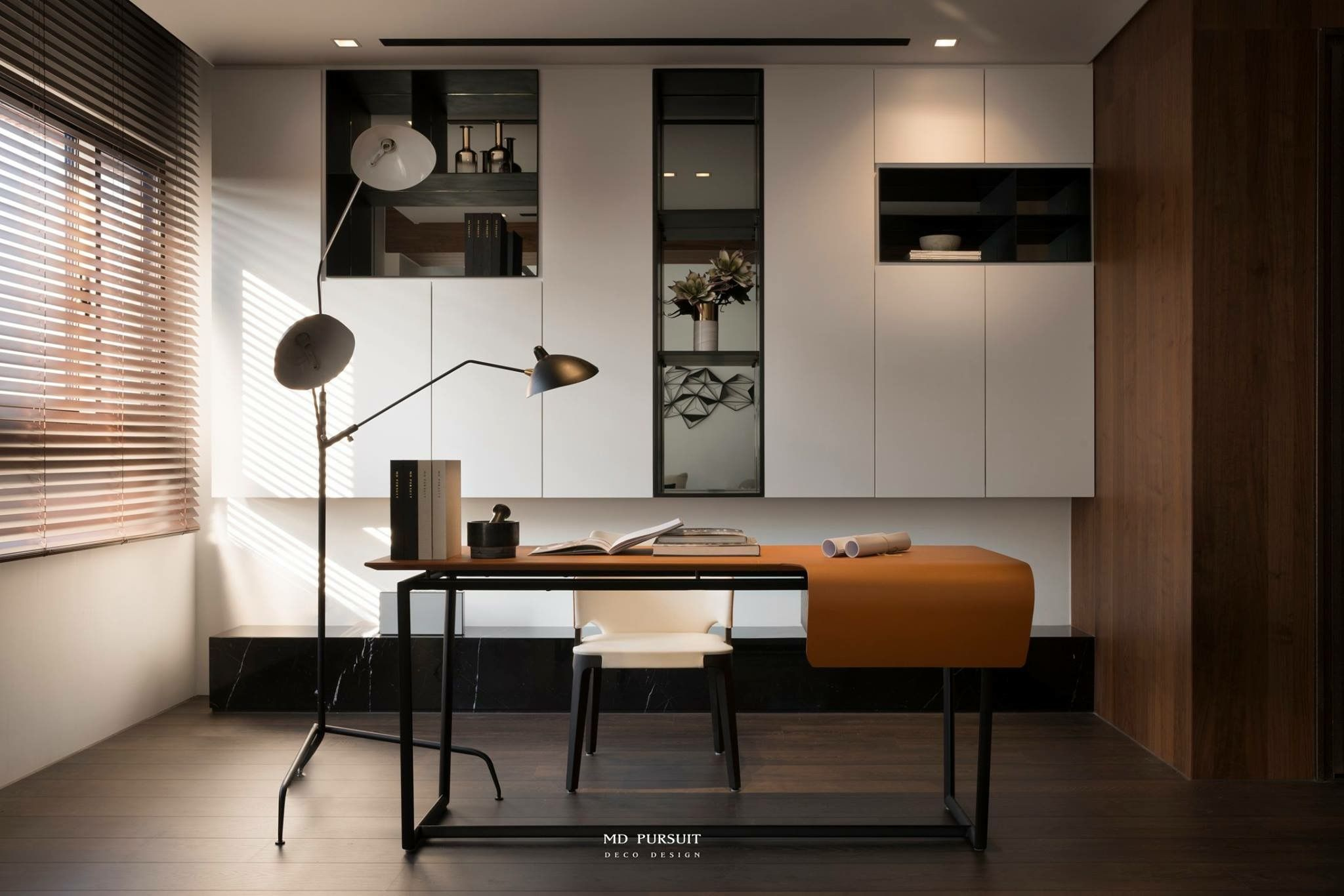 Pin By 張浚澤 On 室 書房 工作室 Study Room With Images
