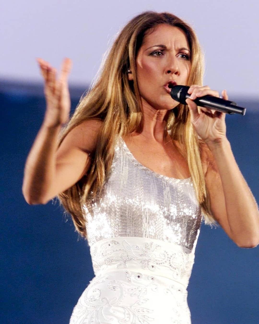 A Little Throwbacktuesday From Celine Her Let S Talk About Love Tour Celinedion Worldtour Throwback Celine Dion Throwback Instagram Let S Talk About Love
